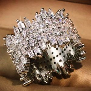 18K white gold plated shiny ring